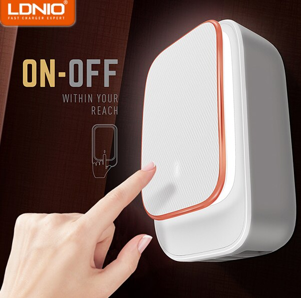LDNIO A4405 4 ports home charger with LED light + Lightning cable
